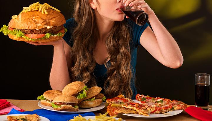 Disturbo da alimentazione incontrollata: è davvero causato da un vuoto interiore o da una sofferenza emotiva?